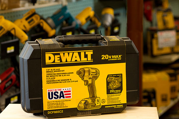 Dewalt, Black & Decker, Makita Bosch, Paslode, cordless drills, saws, drivers, corded power tools, air tools, batteries, drill bits, saw blades